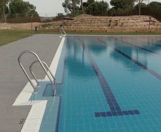 Ejecución de piscina al aire libre